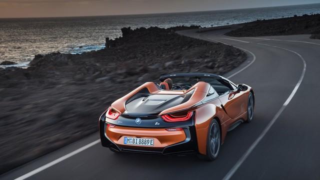 BMW i8 Roadster chính thức trình làng, bổ sung thêm sức mạnh - Ảnh 4.
