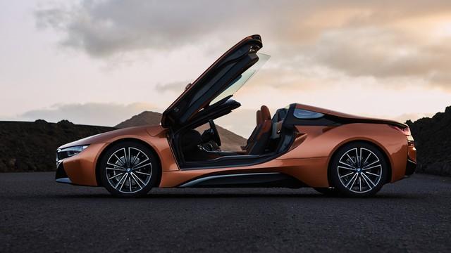 BMW i8 Roadster chính thức trình làng, bổ sung thêm sức mạnh - Ảnh 14.