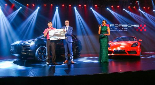 Porsche Việt Nam kỉ niệm 10 năm thành lập và bàn giao 10 xe Panamera đặc biệt - Ảnh 5.