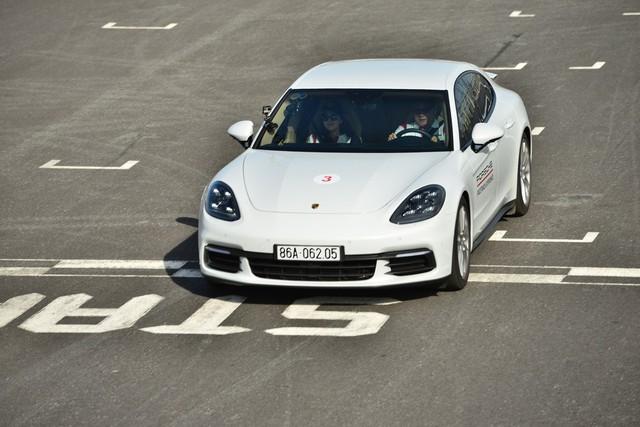 Porsche lần đầu hướng dẫn lái xe thể thao tại Việt Nam - Ảnh 4.