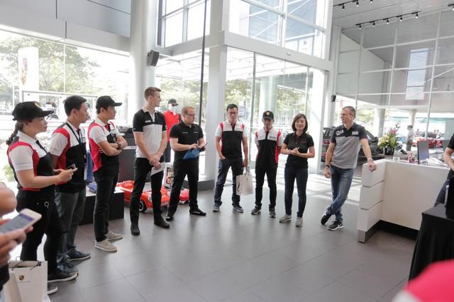 Porsche lần đầu hướng dẫn lái xe thể thao tại Việt Nam - Ảnh 1.