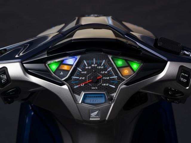 Honda Air Blade thêm phiên bản mới, bổ sung chìa khoá thông minh - Ảnh 1.