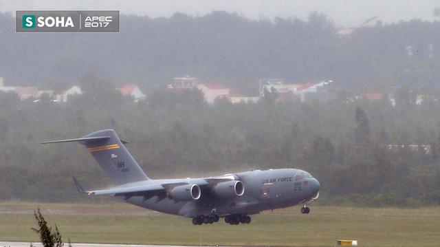 [NÓNG] Siêu vận tải cơ Boeing C-17 Globemaster III chở đoàn tiền trạm Mỹ tham dự APEC đã hạ cánh xuống sân bay Đà Nẵng