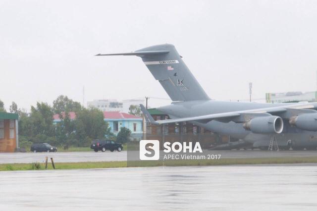 [NÓNG] Cadillac One The Beast cùng dàn xe phục vụ Tổng thống Trump tại APEC đổ bộ Đà Nẵng - Ảnh 1.