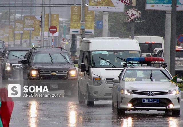 [NÓNG] Dàn xe của tổng thống Trump hộ tống siêu xe Cadillac One The Beast xuất hiện trên phố Đà Nẵng - Ảnh 6.