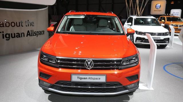 Khó nhập xe, Volkswagen Việt Nam giảm giá tới 140 triệu đồng đẩy hàng tồn
