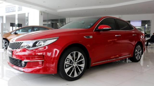 Thực hư chuyện Kia Optima giảm giá còn ngang ngửa Mazda3