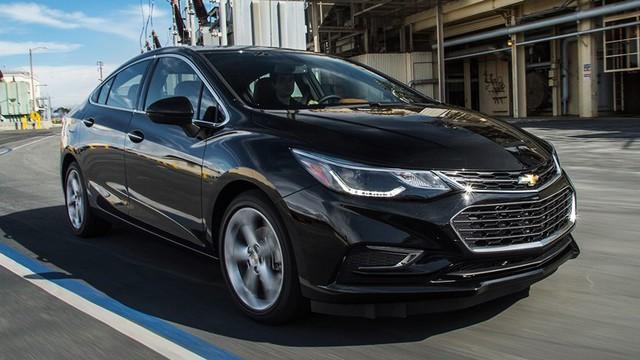 Cạnh tranh Toyota Altis, Chevrolet Cruze 2019 bỏ số sàn, thay bằng hộp số vô cấp CVT