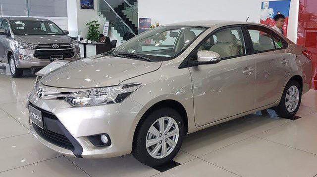 Các mẫu xe bán chạy nhất Việt Nam thay đổi giá bán như thế nào trong năm 2017?