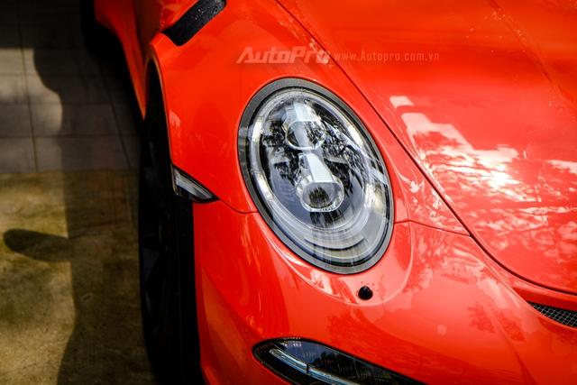 Cận cảnh siêu xe Porsche 911 GT3 RS mà Cường Đô-la mới tậu - Ảnh 10.