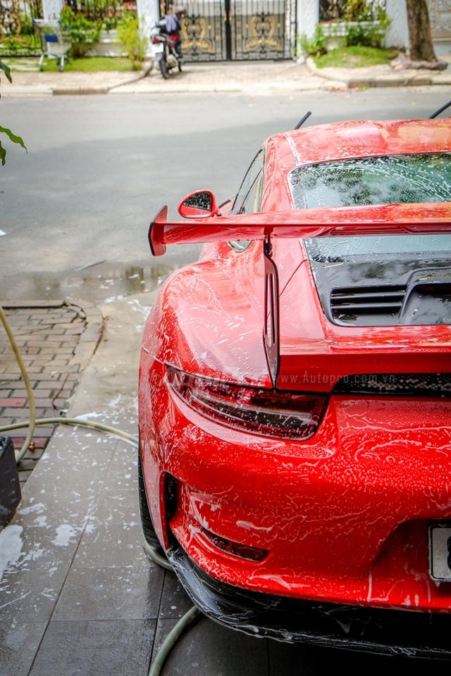 Cận cảnh siêu xe Porsche 911 GT3 RS mà Cường Đô-la mới tậu - Ảnh 9.