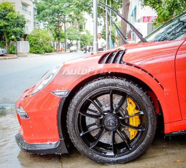 Cận cảnh siêu xe Porsche 911 GT3 RS mà Cường Đô-la mới tậu - Ảnh 8.
