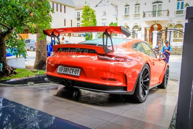 Cận cảnh siêu xe Porsche 911 GT3 RS mà Cường Đô-la mới tậu - Ảnh 3.