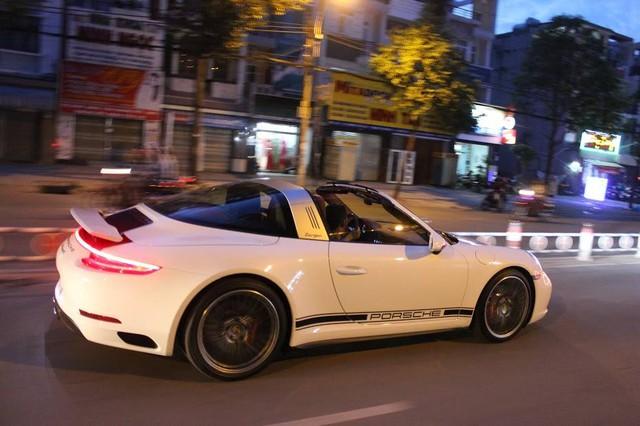 Nghe thử ống xả độ FI trên Porsche 911 Targa 4S 8,9 tỷ Đồng tại Việt Nam - Ảnh 3.