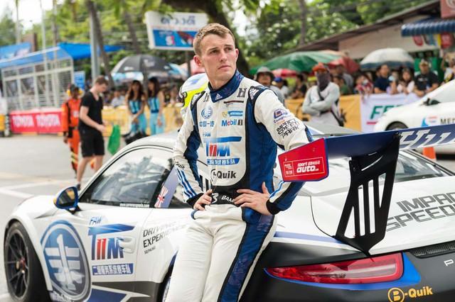 Porsche lần đầu hướng dẫn lái xe thể thao tại Việt Nam - Ảnh 2.