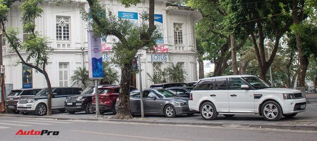 9 xe sang Range Rover tập kết ở Hà Nội - Ảnh 10.