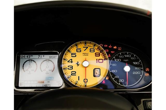 31,76 tỷ Đồng là giá bán cho 1 chiếc Ferrari 599 SA Aperta đã chạy gần 24.000 km - Ảnh 5.