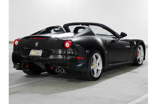31,76 tỷ Đồng là giá bán cho 1 chiếc Ferrari 599 SA Aperta đã chạy gần 24.000 km - Ảnh 4.