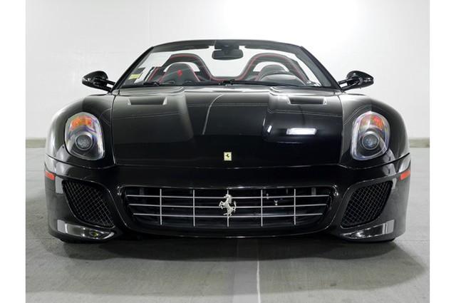 31,76 tỷ Đồng là giá bán cho 1 chiếc Ferrari 599 SA Aperta đã chạy gần 24.000 km - Ảnh 1.