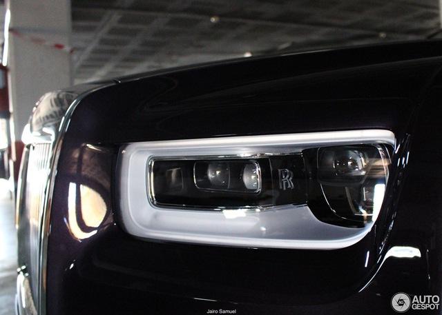 Bắt gặp xe siêu sang Rolls-Royce Phantom 2018 đầu tiên lăn bánh trên thế giới - Ảnh 4.