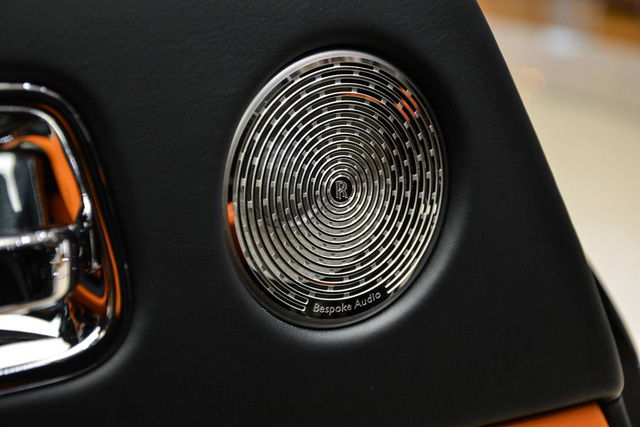 Làm quen với chiếc Rolls-Royce Wraith Black Badge có nội y sexy tại Abu Dhabi - Ảnh 7.