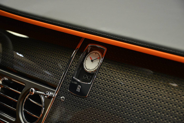 Làm quen với chiếc Rolls-Royce Wraith Black Badge có nội y sexy tại Abu Dhabi - Ảnh 5.