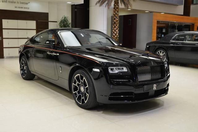Làm quen với chiếc Rolls-Royce Wraith Black Badge có nội y sexy tại Abu Dhabi - Ảnh 15.