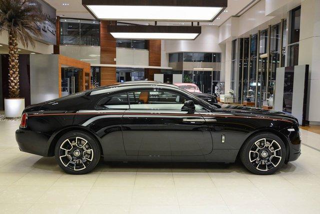 Làm quen với chiếc Rolls-Royce Wraith Black Badge có nội y sexy tại Abu Dhabi - Ảnh 11.
