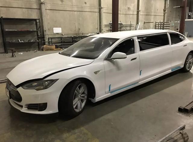 Tesla Model S độ limousine độc nhất thế giới, giá ngang BMW 6-Series - Ảnh 1.
