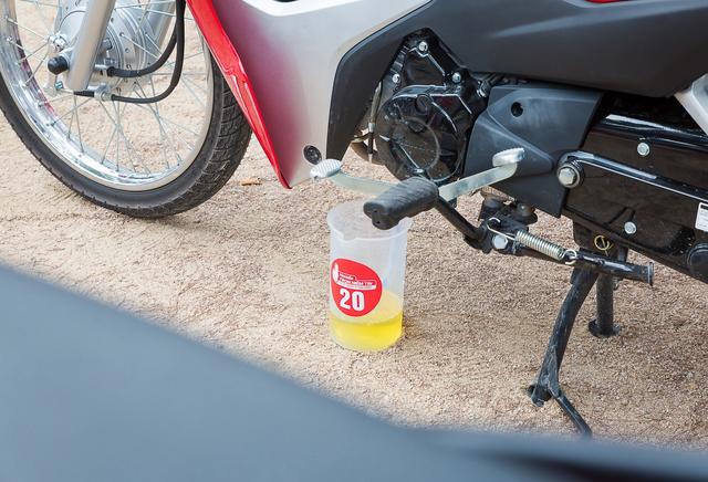 Thử nghiệm tiết kiệm xăng cùng Honda Wave Alpha 110 - 1,03 lít/100 km - Ảnh 7.