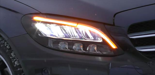 Mercedes-Benz C-Class 2019 sẽ có đèn pha đẹp hơn cả S-Class? - Ảnh 4.