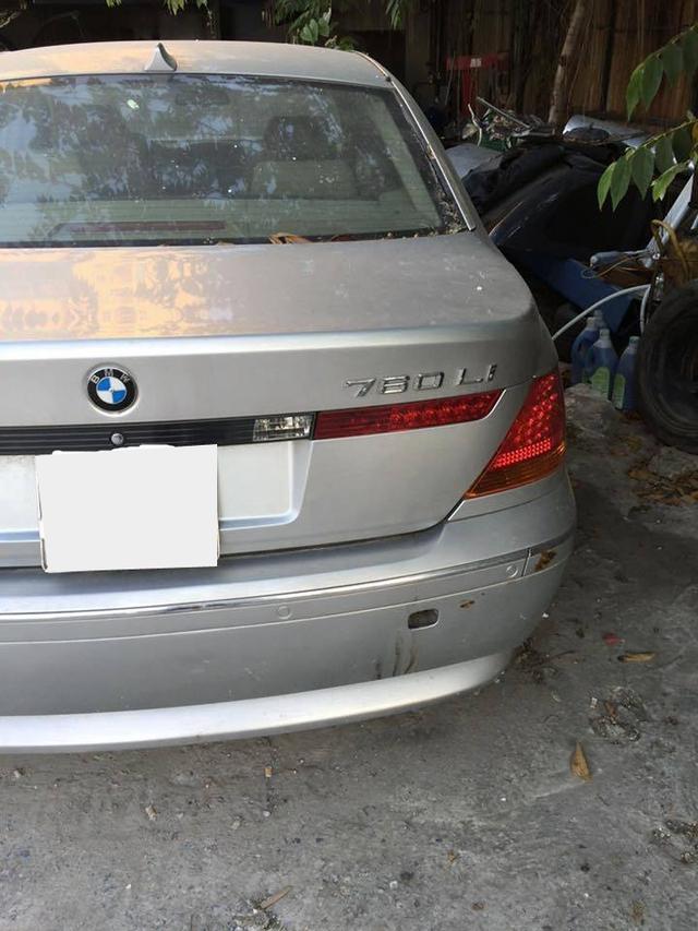 Xót xa BMW 760Li bị bỏ rơi tại Hà Nội - Ảnh 1.