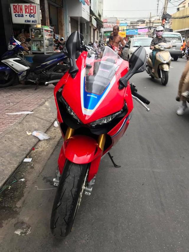 Biker Bình Phước tậu siêu mô tô hàng hiếm Honda CBR1000RR SP2 2017 đầu tiên Việt Nam - Ảnh 7.