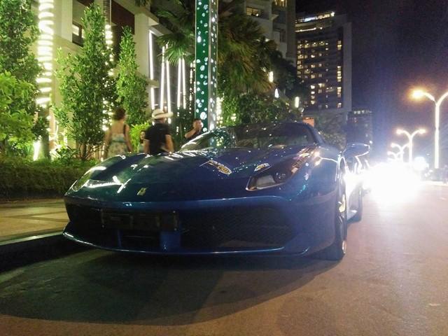 Siêu xe Ferrari 488 mui trần thả dáng cùng Range Rover SVAutobiography 12 tỷ Đồng tại Nha Trang - Ảnh 2.