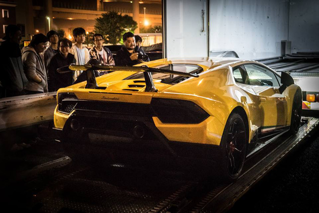 Lamborghini Huracan Performante cập bến đất nước hoa anh đào - Ảnh 11.