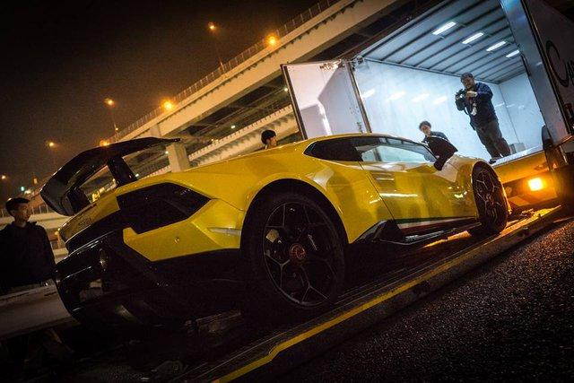 Lamborghini Huracan Performante cập bến đất nước hoa anh đào - Ảnh 5.