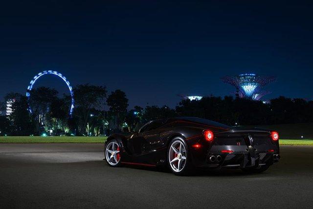 157 chiếc Ferrari diễu hành trên các con phố tại Singapore gây nên cảnh tắc đường - Ảnh 16.