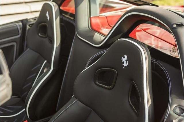 Đây là 1 trong 80 chiếc Ferrari 599 SA Aperta có giá bán gần chạm ngưỡng mức 2 triệu đô - Ảnh 9.