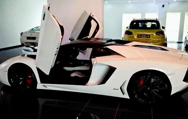 Rộ tin đồn siêu xe Lamborghini Aventador mui trần thứ 3 đã cập bến Việt Nam - Ảnh 6.