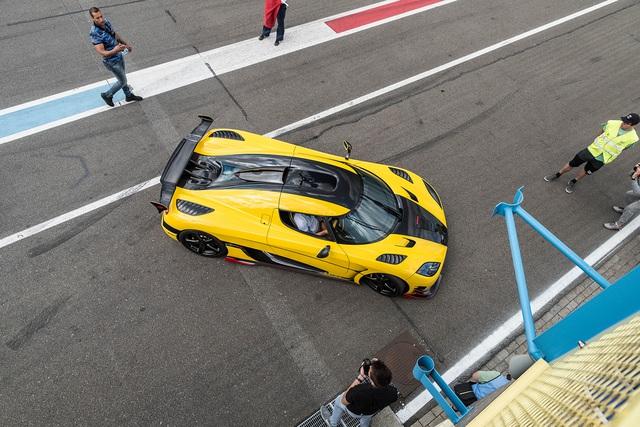 Đại tiệc siêu xe ở trường đua TT-Circuit Assen Hà Lan - Ảnh 12.