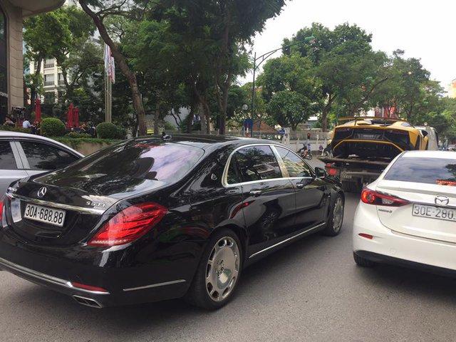 Lamborghini Aventador SV mui trần độc nhất Việt Nam tái xuất trên phố Hà thành - Ảnh 4.