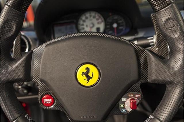 Đây là 1 trong 80 chiếc Ferrari 599 SA Aperta có giá bán gần chạm ngưỡng mức 2 triệu đô - Ảnh 13.