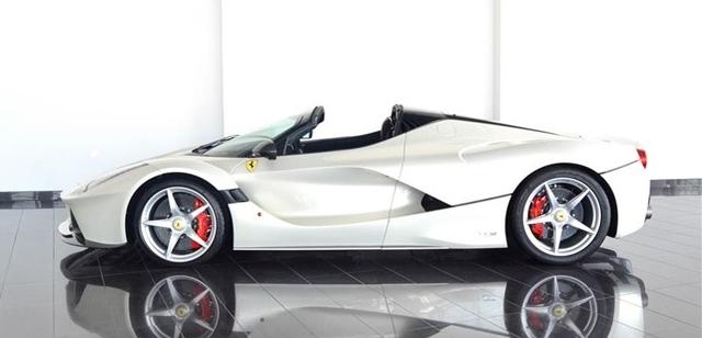 Dù đã cháy hàng nhưng Ferrari LaFerrari mui trần vẫn được các đại lý chào bán - Ảnh 5.