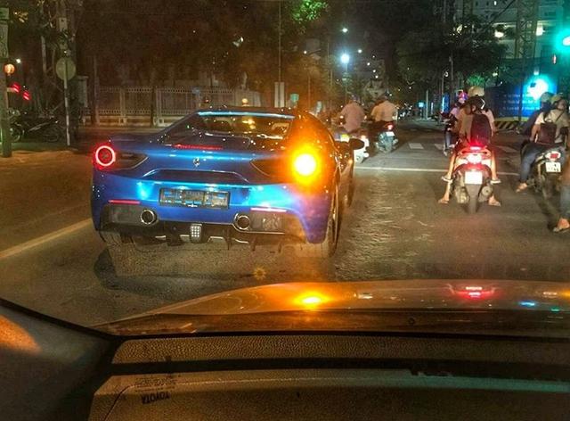 Siêu xe Ferrari 488 mui trần thả dáng cùng Range Rover SVAutobiography 12 tỷ Đồng tại Nha Trang - Ảnh 6.