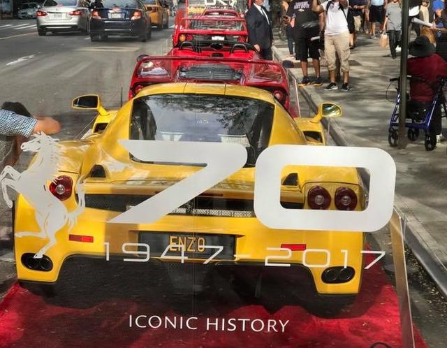Nhân sự kiện 70 năm thành lập hãng Ferrari, hàng loạt siêu ngựa đã hội tụ tại kinh đô thời trang thế giới - Ảnh 10.