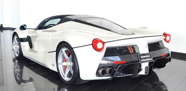 Dù đã cháy hàng nhưng Ferrari LaFerrari mui trần vẫn được các đại lý chào bán - Ảnh 4.