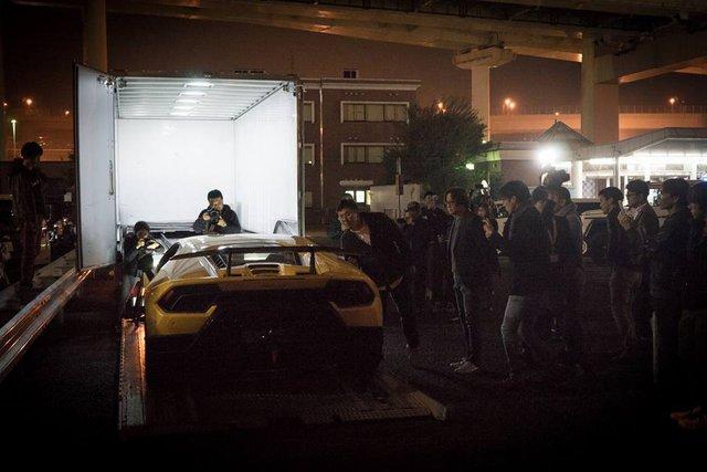 Lamborghini Huracan Performante cập bến đất nước hoa anh đào - Ảnh 10.