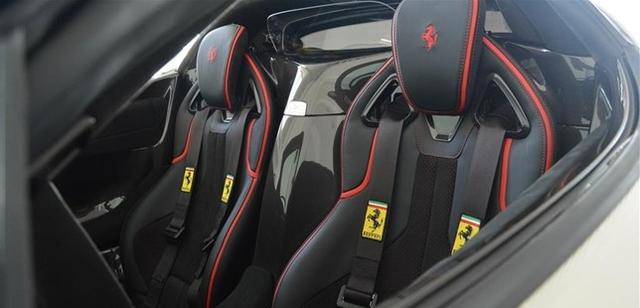 Dù đã cháy hàng nhưng Ferrari LaFerrari mui trần vẫn được các đại lý chào bán - Ảnh 9.
