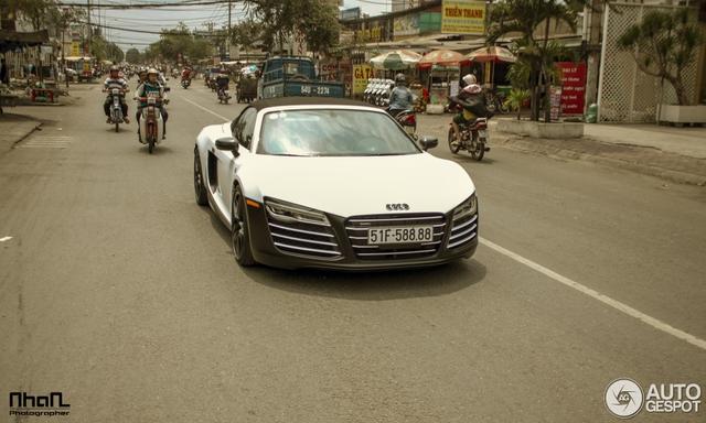 Audi R8 V10 Spyder độc nhất Việt Nam của đại gia Trung Nguyên bị bắt gặp tại Bình Phước - Ảnh 2.