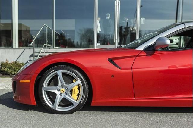 Đây là 1 trong 80 chiếc Ferrari 599 SA Aperta có giá bán gần chạm ngưỡng mức 2 triệu đô - Ảnh 7.